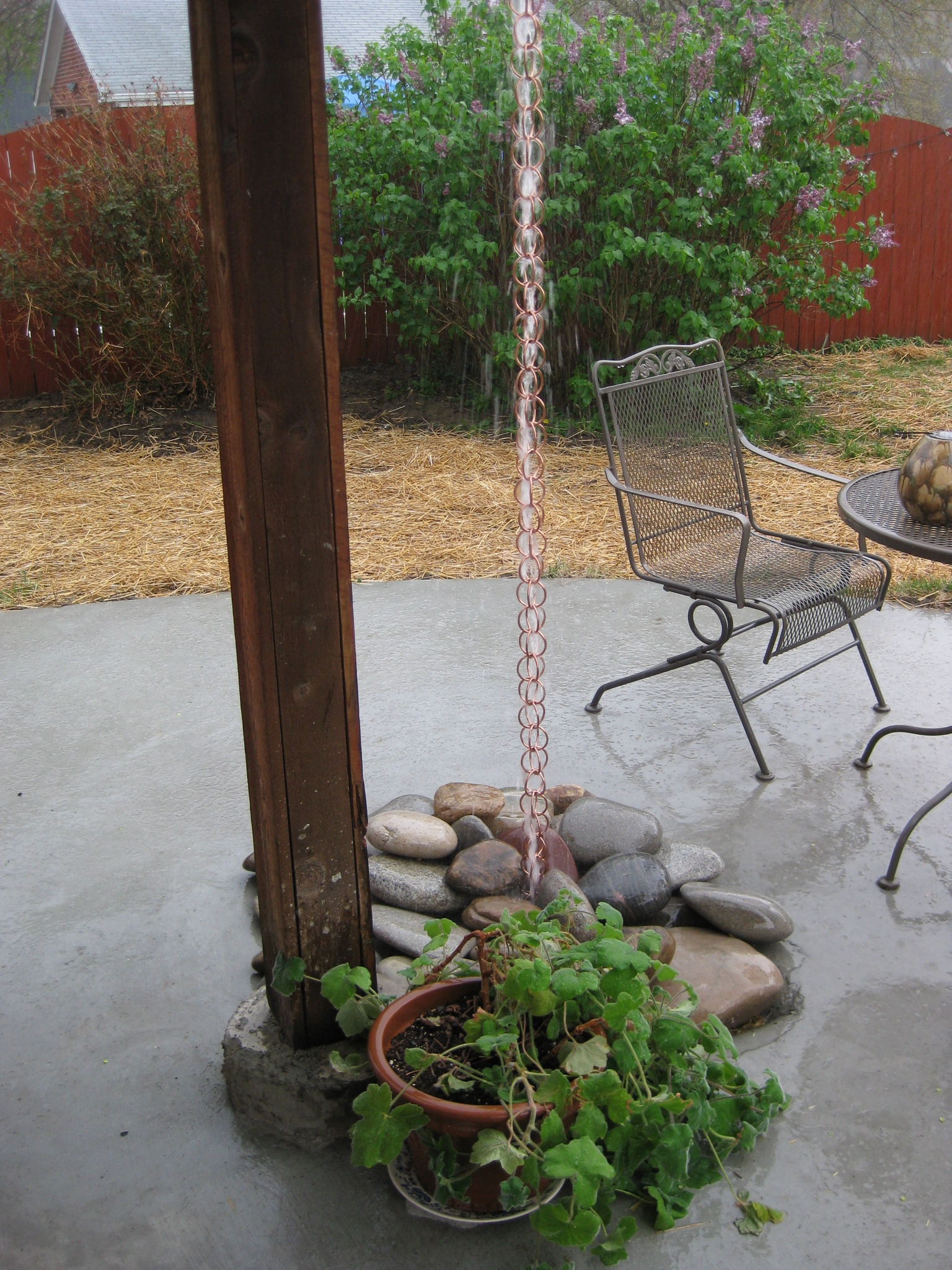 Rain Chain Como Bungalow